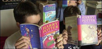 kids reading harry potter